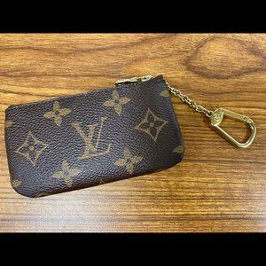 Luis Vuitton key card pouch